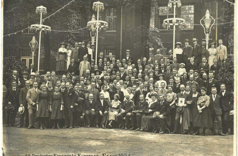 Gruppenfoto_10er_Deutscher_Esperanto_Kongress_Essen_1921